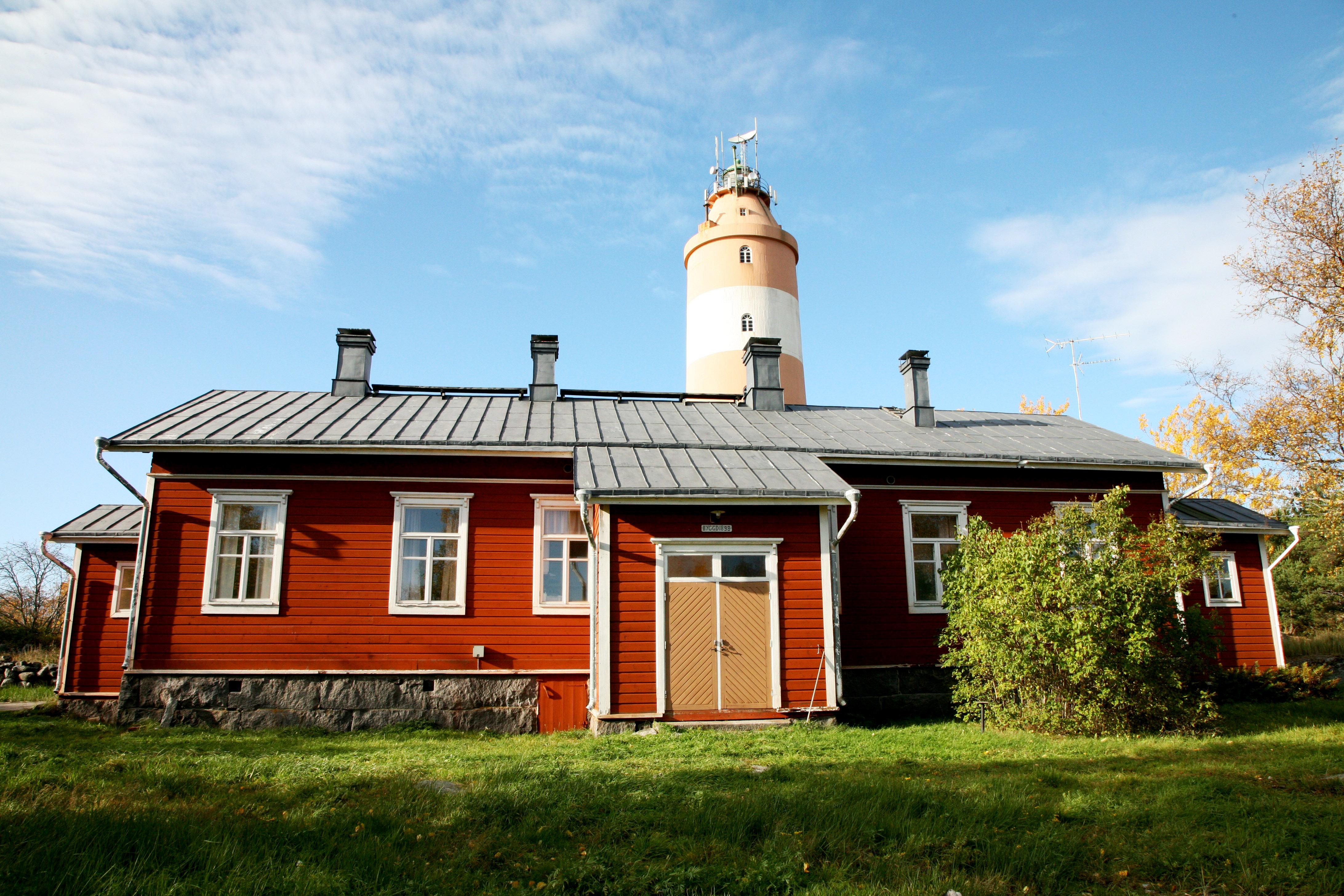 Majakkamestarin talo palvelee Isonkarin kesähotellina